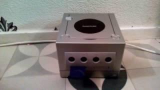 Présentation de Nintendo GameCube avec le jeu Bob l'éponge