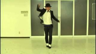 頑張って衣装替えしながら、3曲ぶっ続けで踊ってみました。。。 衣装替えに戸惑ったり、着用しているパンツがキツくて足の動きが窮屈で独学...