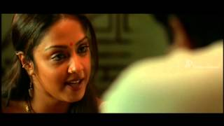 Pachaikili Muthucharam Tamil Movie - Jyothika and Sarath Kumar are attacked by Robbers