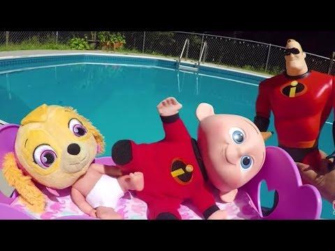 Jack Jack and Paw Patrol Skye Go To Swim for a Unicorn Slime Surprise |