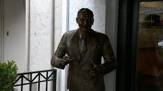 Little Italy honors entertainer Frankie Laine with lifesize bronze statue