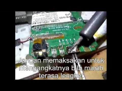 Mencopot konektor USB tanpa blower