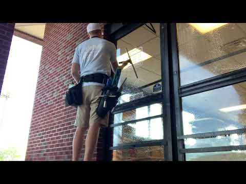 Window Cleaning No Music || How to clean Commercial doors || Profession Window Cleaning