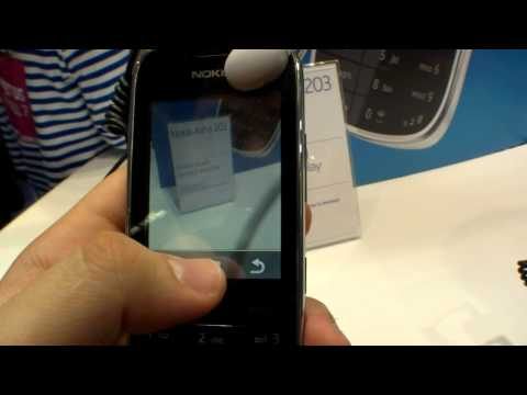Nokia Asha 203 Smartphone - Hands On (English)