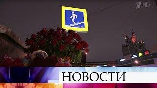На западе Москвы автобус вылетел на встречку и врезался в столб