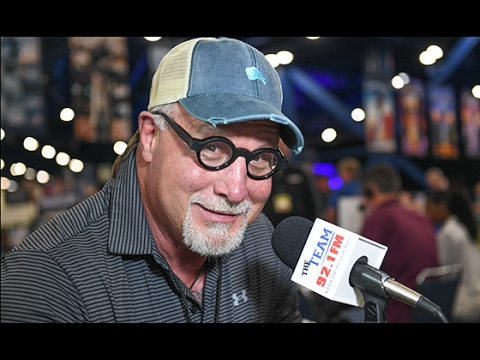 Dallas Cowboys great Randy White on the Cowboys and fishing.