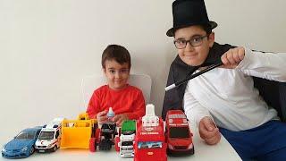 Sihirbaz Buğra Oyuncak Arabaları Biberona Çevirdi. Eğlenceli Çocuk Videosu