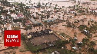 Cyclone Idai: Flying over flooded Mozambique - BBC News