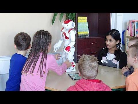 Aprender idiomas e matemática com robôs