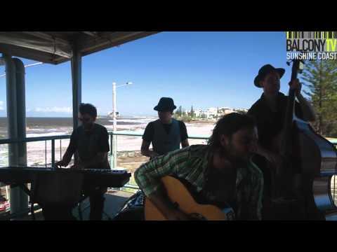 MITCH DAVIS AND THE DAWN CHORUS -BIG WORLD (BalconyTV)