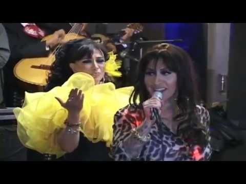 BEATRIZ ADRIANA cantando con su Hija BA Solís