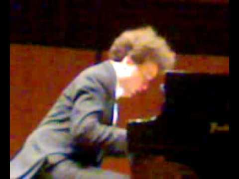 Evgeny Kissin plays Chopin-MInute Waltz