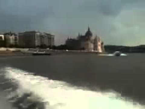 Speed boat Budapest down the Danube club elite