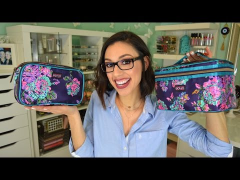 TAG | What's in my travel makeup bag?