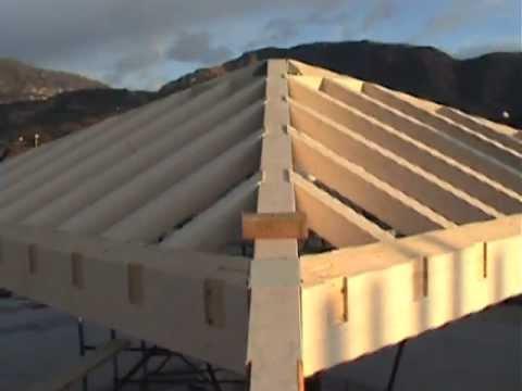 Installazione tetto in legno a vittorio veneto 1a parte for Inquadratura del tetto del padiglione