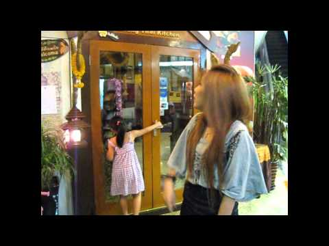 Nookao's first time in Shanghai.wmv