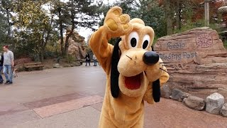 Fun with Pluto and Goofy in Frontierland at Disneyland Paris