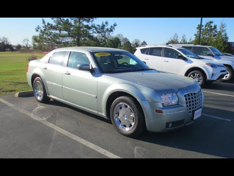2005 Chrysler 300 Limited Full Tour & Start-up at Massey Toyota ...