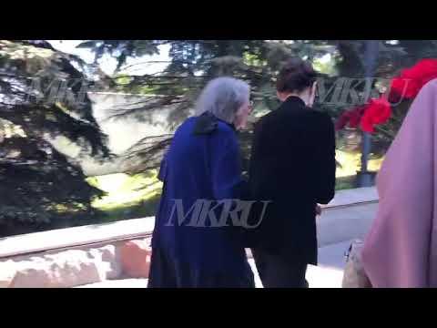 Вдова и мать Сергея Доренко прибыли на Троекуровское кладбище