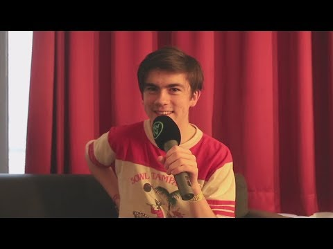 RWTV Five Seconds Challenge - Declan McKenna