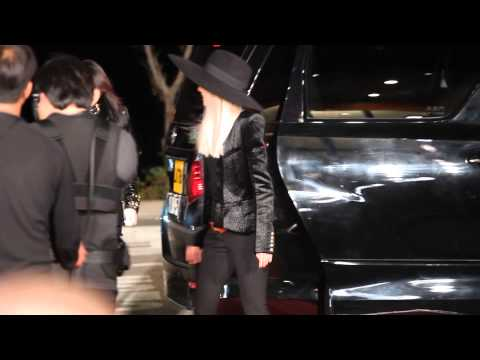 [FanCam 1080p]131122 2NE1 entering Red Carpet Party @MAMA 2013