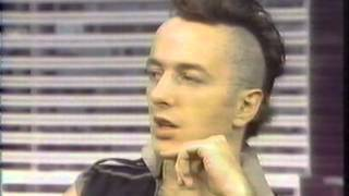 Joe Strummer & Paul Simonon on CBS New York News 1982 Video