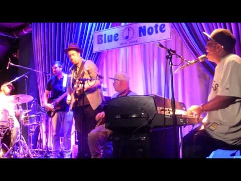 """""""Let's Straighten It Out"""" - ERIC KRASNO with NIGEL HALL at The Blue Note"""