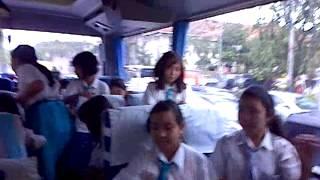 kehebohan kelas 5C di dalam bis big bird