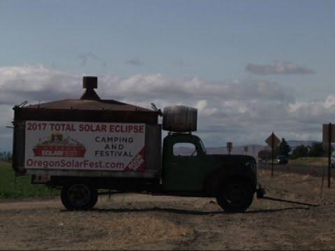 Solar Eclipse Casts Spotlight on Oregon Town