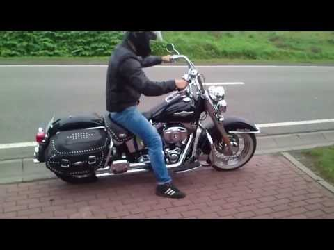 1st Time On Harley Davidson Heritage Softail - Exhaust Sound