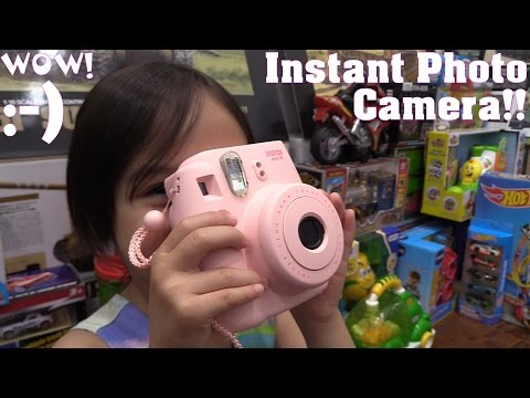 Kids' Instant Photo Camera! An Easy to Use Camera for Kids. Fujifilm Instax Mini 8 Unboxing
