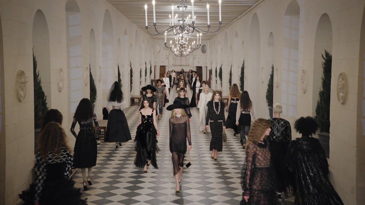 Download The 'Le Château des Dames' 2020/21 Métiers d'art Show —  CHANEL