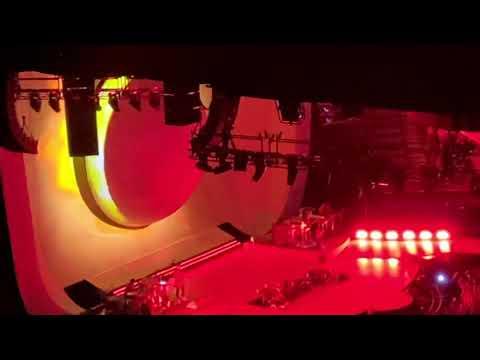 raindrops + God is a woman [Live] -Ariana Grande- Sweetener World Tour Inglewood