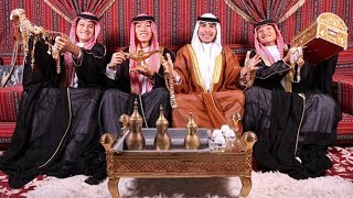Dàn cầu thủ VN mặc đồ hoàng tộc Dubai chúc mừng sinh nhật Đức Huy cực lầy lội,khiến fan cười ngất