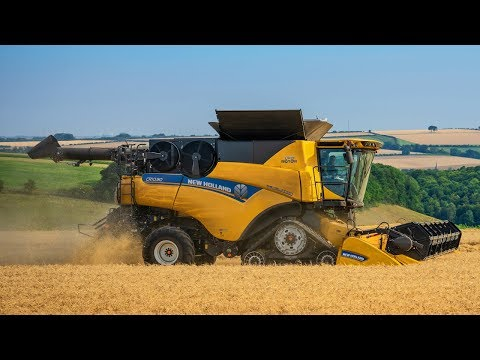 Epic Harvest  New Holland CR10.90, CR9.80, Baling and Chasing
