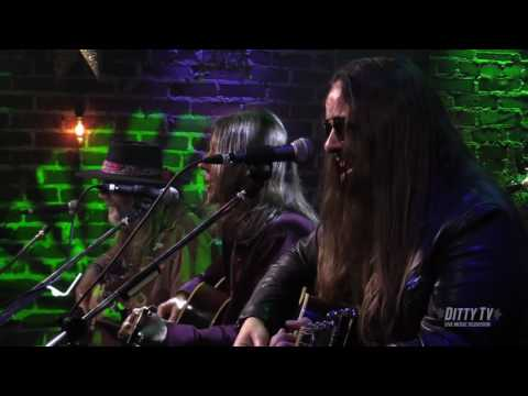 Blackberry Smoke performs