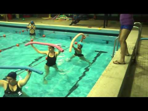 Gimnasia para embarazadas en Agua - Mamis Gym