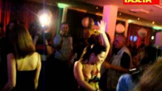 Наташа Королева устроила секс-танцы