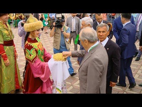 Кто приехал на Всемирный конгресс татар?