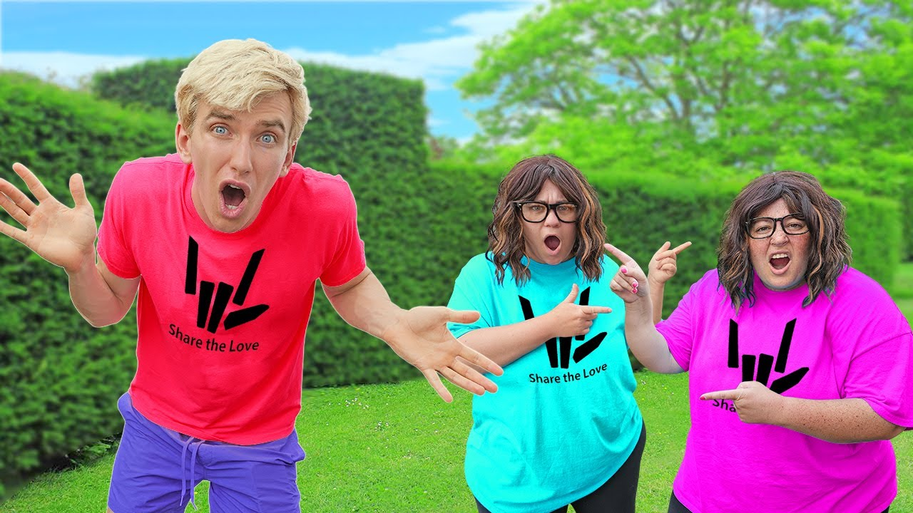 Mystery Neighbor Has a TWIN IMPOSTER!! (Who is the REAL Ellen??)