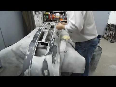 Бампер - шпаклюем,шлифуем,грунтуем. В общем весь процесс подготовки под покраску.
