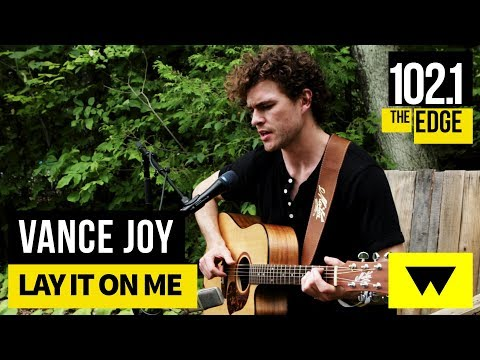 Vance Joy - Lay it on Me (Live at WayHome)