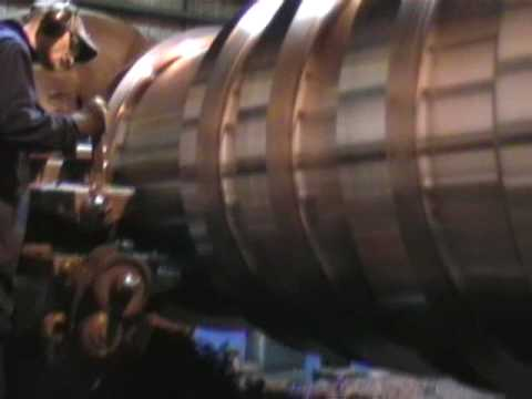 BIG LATHE.  HEAVY ENGINEERING. WELD REPAIRED ROLL