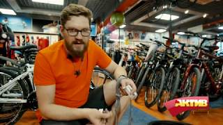 Ремонт велосипедного колеса! Что делать при проколе колеса?