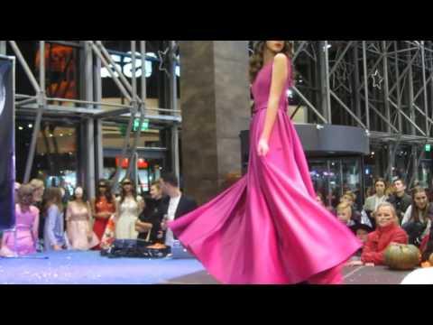 Что носить осенью зимой 2015 - 2016 ? Самое модное женское пальто осень зима веснаиз YouTube · Длительность: 2 мин58 с