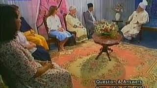 English Mulaqaat (Meeting) on July 14, 1996 with Hazrat Mirza Tahir Ahmad (rh)