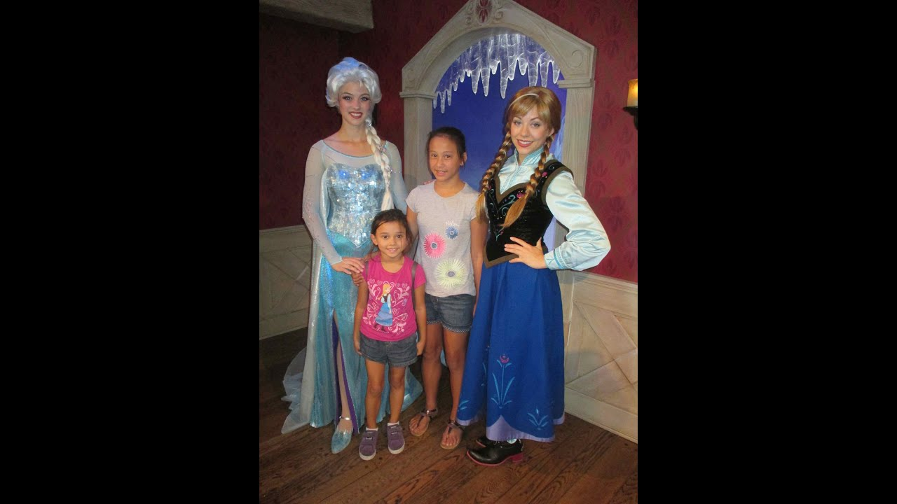 Disneyland frozen characters elsa and anna meet and greet disneyland frozen characters elsa and anna meet and greet asimplysimplelife youtube m4hsunfo