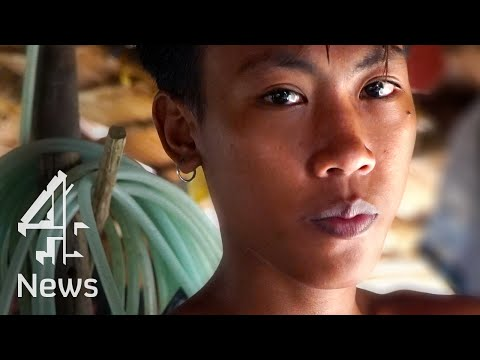 The Philippines' child miners risking their lives for gold