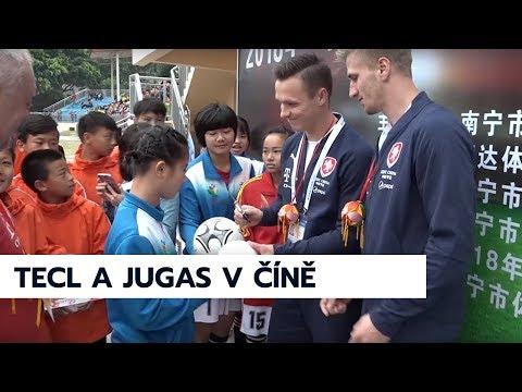Reprezentanti Jugas a Tecl na setkání s malými čínskými fotbalisty, China Cup