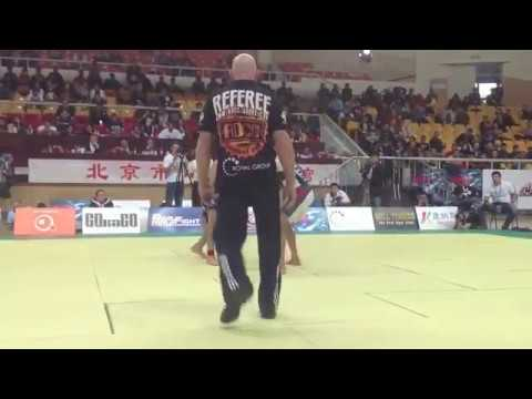 2013 ADCC Highlight- Finals- Cobrinha vs. Rafa Mendes